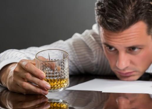 第2表 アルコール分と密度(15℃)及び比重(15/15℃)換算表
